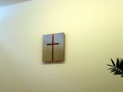 Wandkreuz – Edelstahl transluzentes Acryl