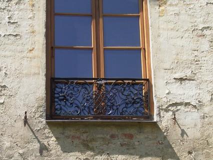 Schloß Oberlauterbach – Fenster und Fenstergitter